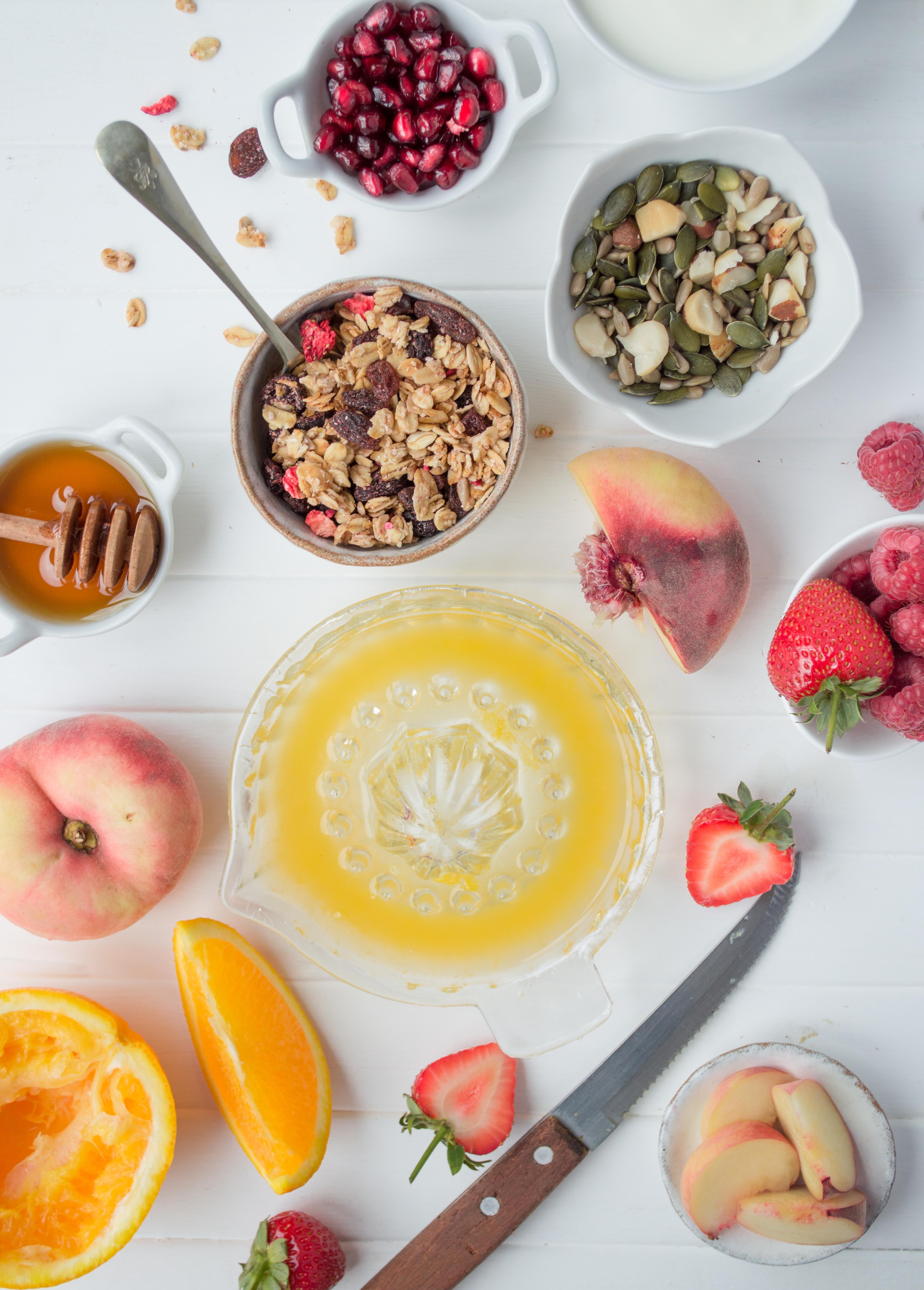 Summer berry crunch #healthybreakfast #breakfastonthego #healthyrecipes
