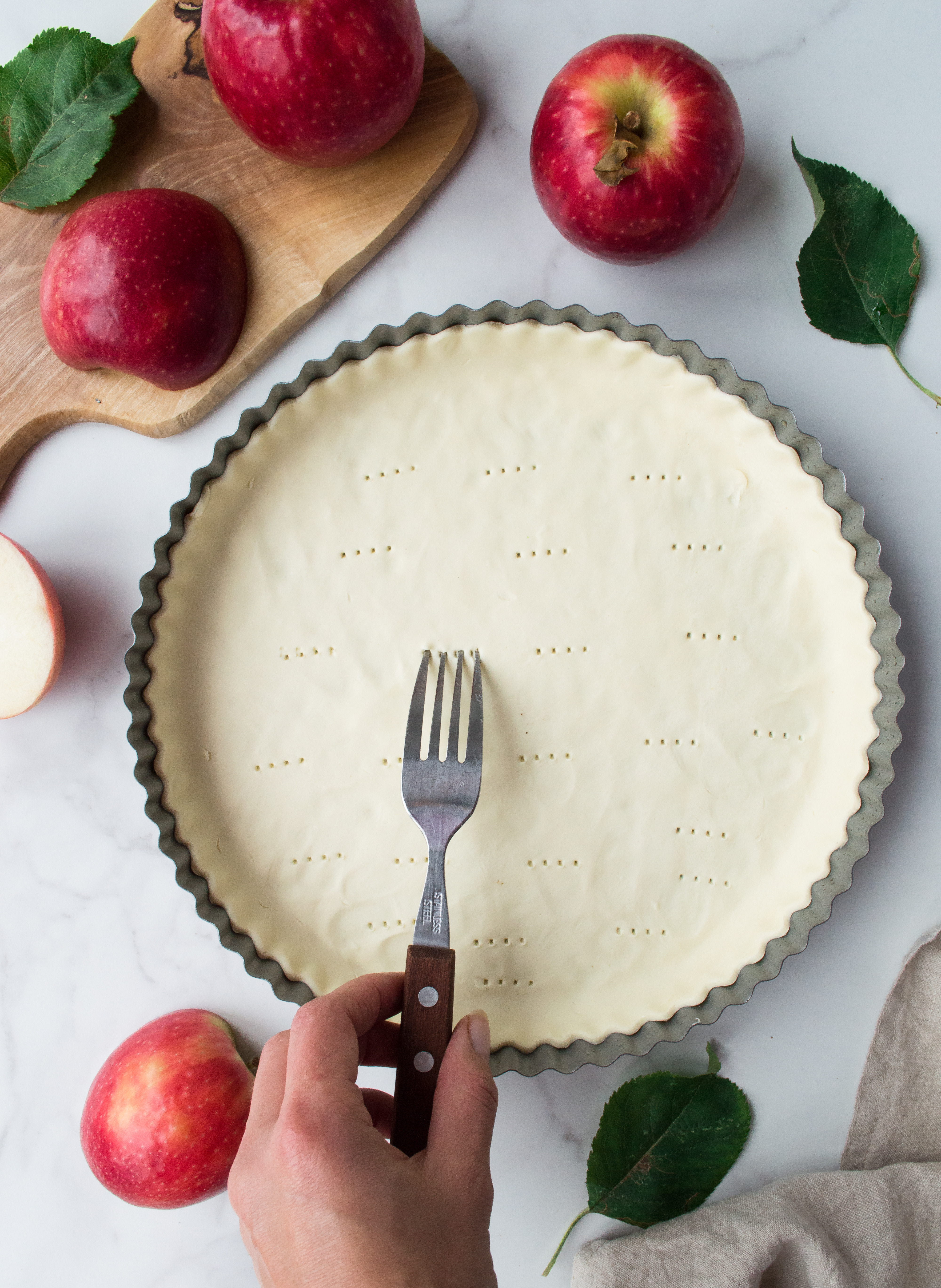 Making of apple tart